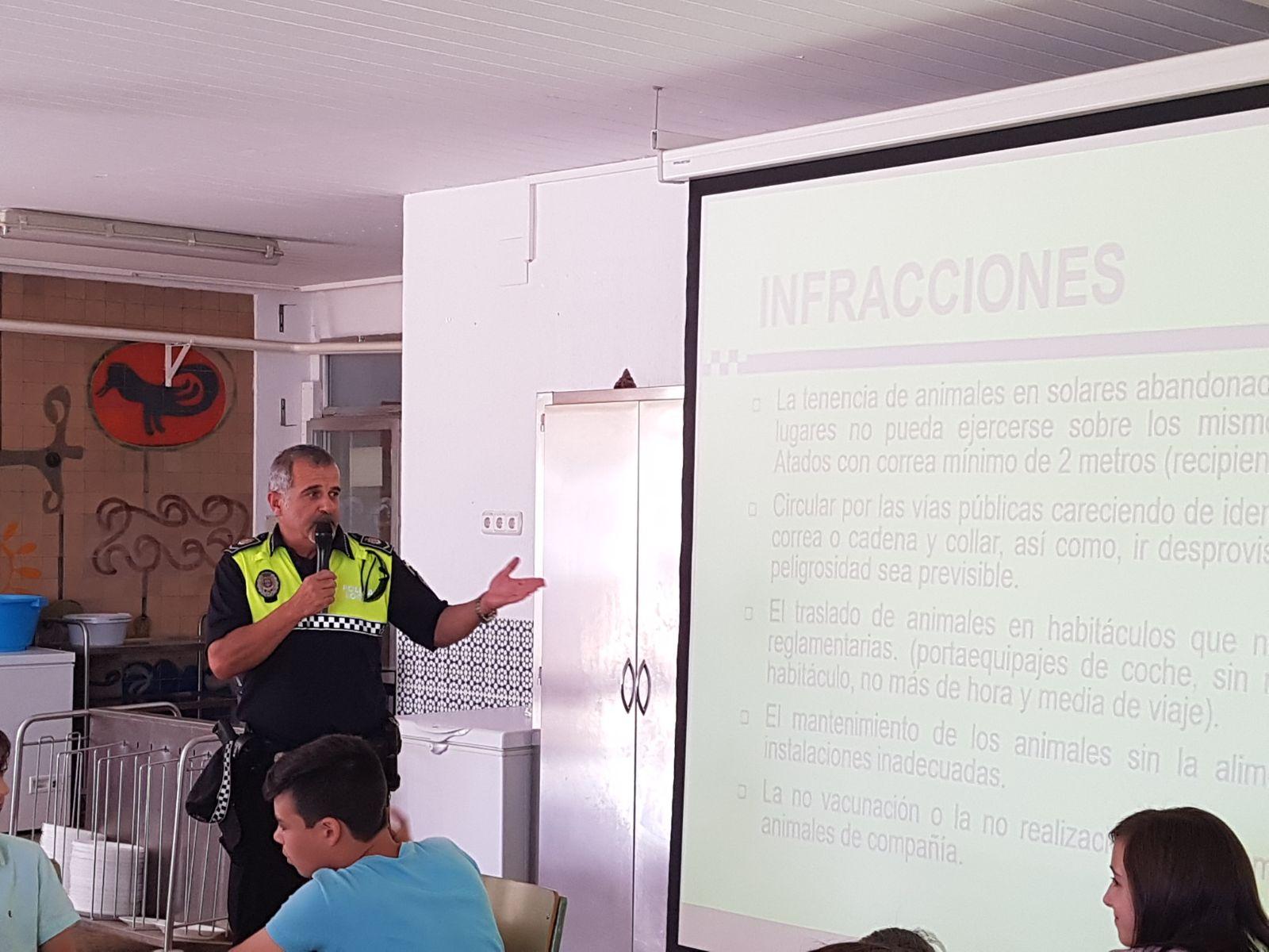 Agradecimiento a la Policía Local por colaborar en las charlas